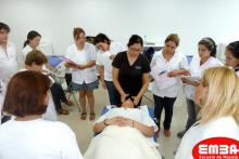 Curso de masaje estetico con profesora kinesiologa